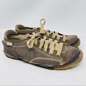 Simple Shoes - Simple Green Toe Canvas Sneakers Brown lace up 9.5